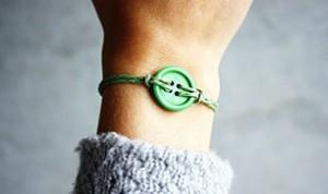 Diy Beautiful Button Bracelet