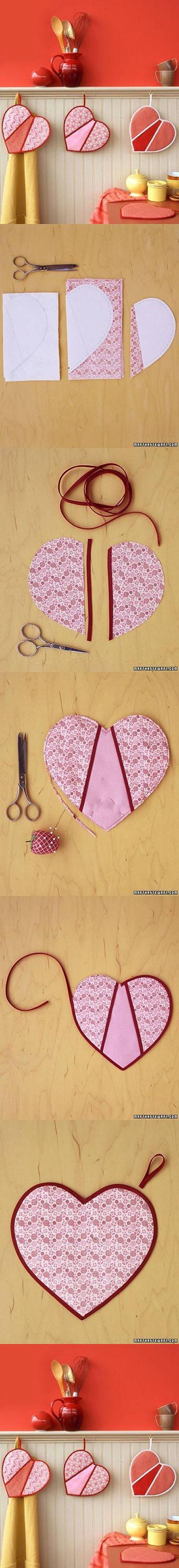 DIY-Heart-Shaped-Pot-Holders11